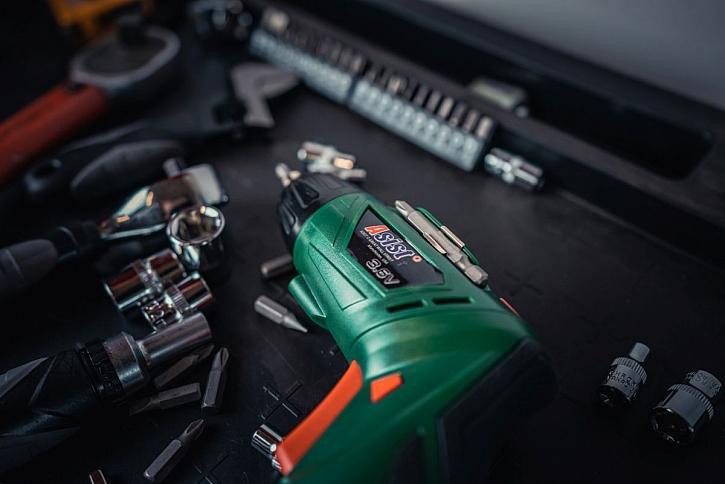 bezpečné elektrické nářadí do dílny