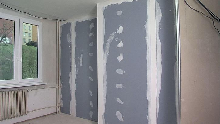 Pomoci může odhlučnění s akustickou stěnou