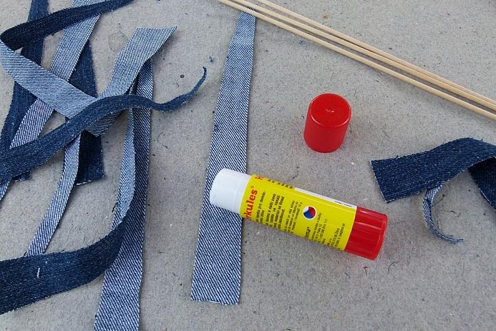 Letní korále z džínoviny aneb Jak využít každého kousku látky na parádu 3