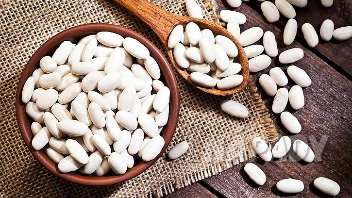 Fazole bílá je plochá fazole s krémovou strukturou a jemnou chutí; výborně hodí na přípravu pomazánek