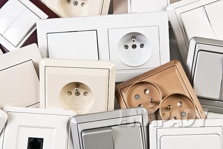Moderní designové vypínače a zásuvky mohou skvěle doplnit  interiér (Depositphotos.com)