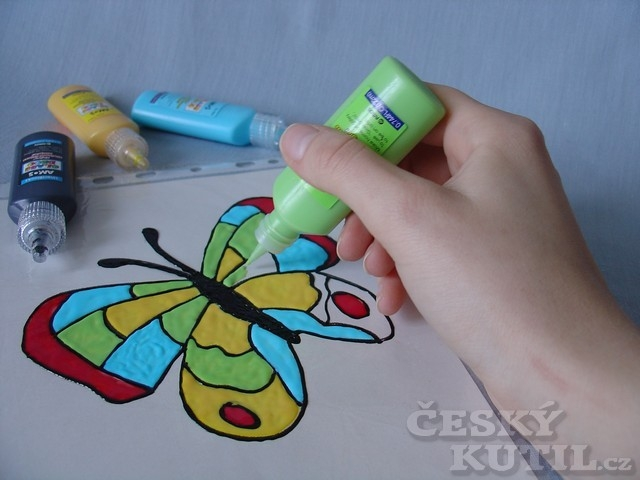 Výroba dekorace pomocí barev na sklo
