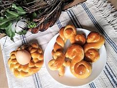 Nezapomeňte si na Velikonoce upéct medové jidáše