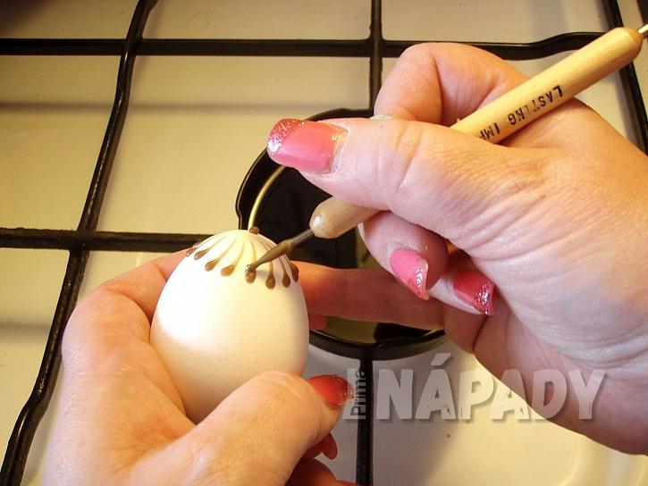 Malování vajíček voskem