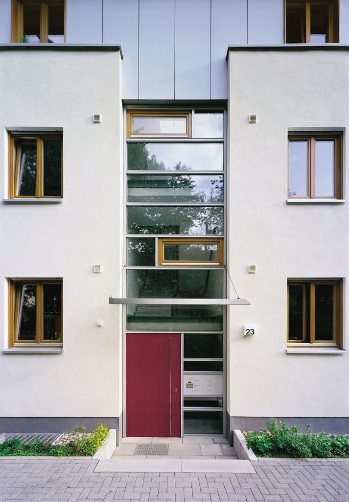Bytový dům s okenními a dveřními PVC profily Arcade