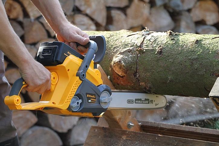 Příprava dřeva na zimu nikdy nebyla snazší