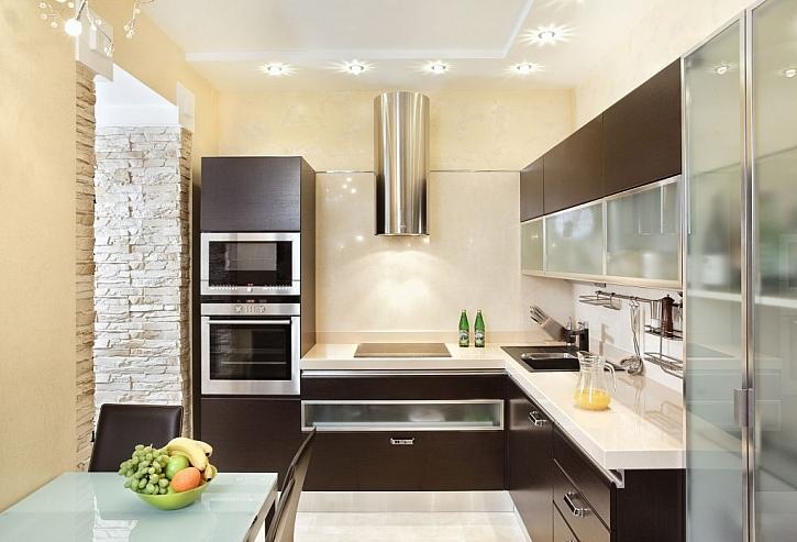 Kuchyně ve tvaru L je dispozičně vhodné řešení, kde budete mít vše po ruce