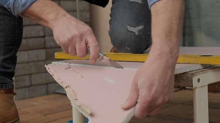Řezání sádrokartonu