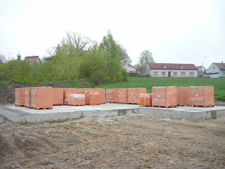 S výstavbou domu začali v březnu 2013