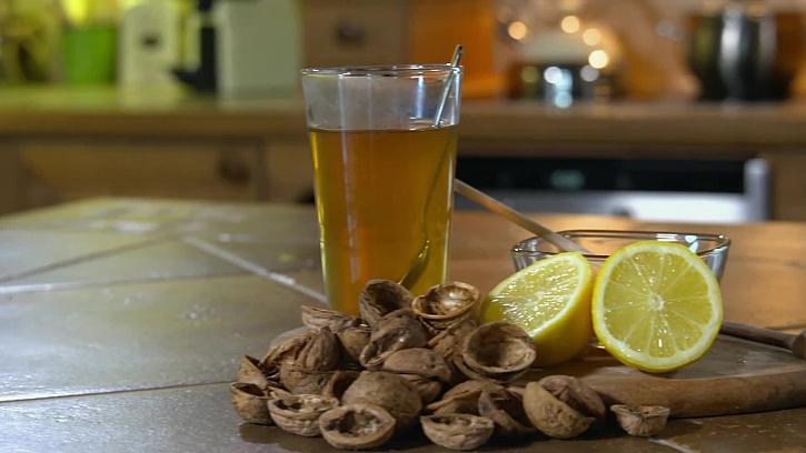 Zdravý čaj ze skořápek od vlašských ořechů