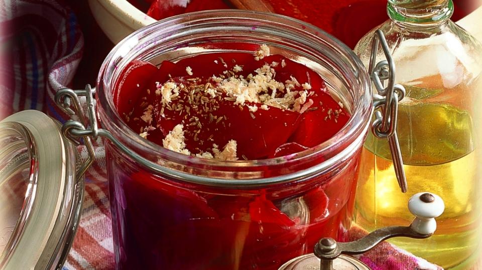 Zdravá, pikantní achutná kombinace: červená řepa skřenem