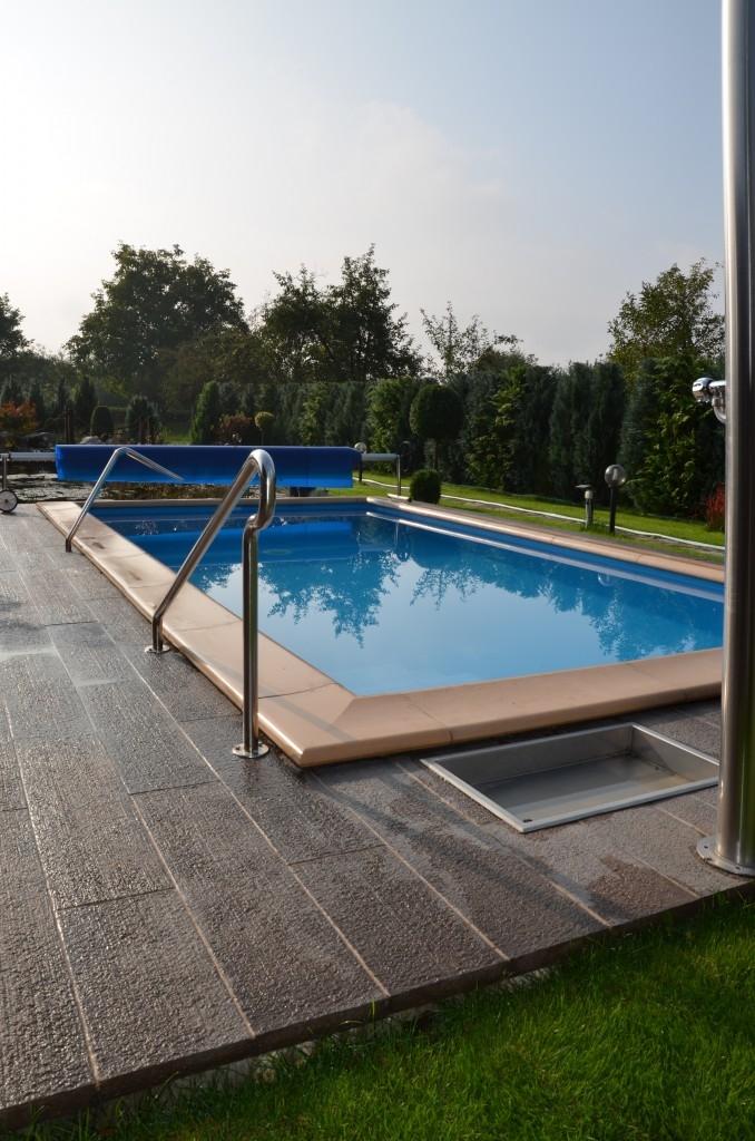 Bazénové lemy v přírodních barvách