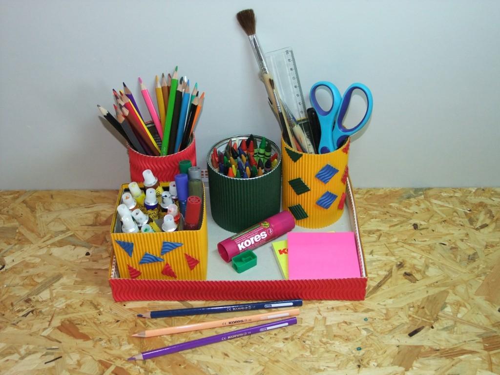 Stojánek na tužky a barvičky