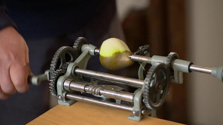 Mlýnek na loupání ovoce