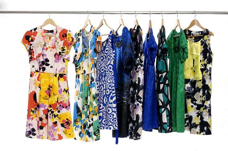 Letní oblečení je potřeba pomalu uskladnit na příští sezonu