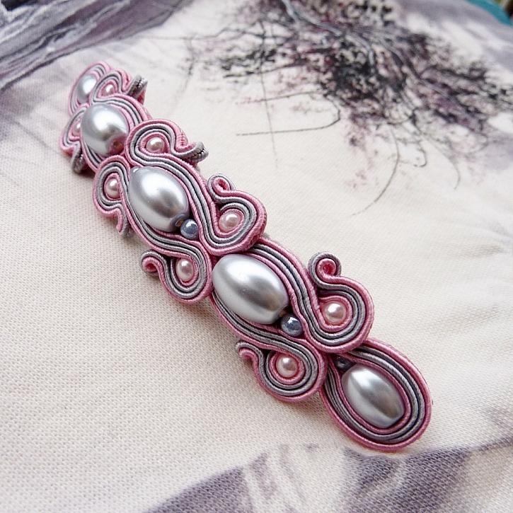 Výroba francouzské spony v odstínech šedé a růžové