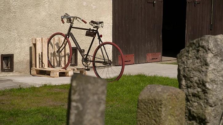 Výroba praktického stojanu na kolo