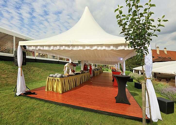 Ať už plánujete svatbu nebo oslavu, party stan bude to pravé