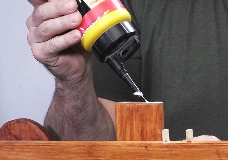 lepení dřeva