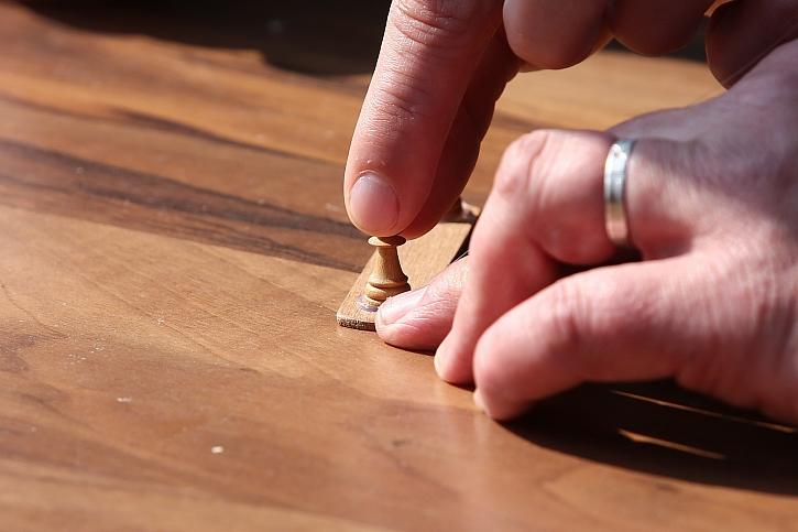Jak si udělat meteostanici: nalepte figurky