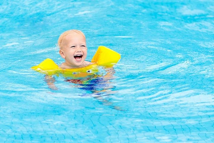 Nafukovací kruhy i rukávky zajistí dětem komfort a bezpečí ve vodě