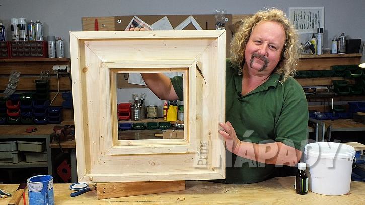Ozdobný rám na zrcadlo: po zaschnutí se pustíme do povrchové úpravy