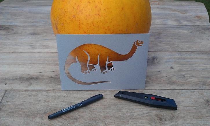 Dýně s brontosaurem