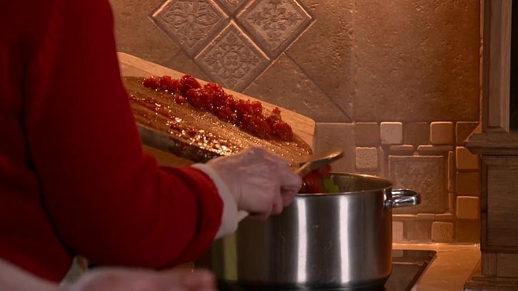 Oloupaná rajčata na kostičky