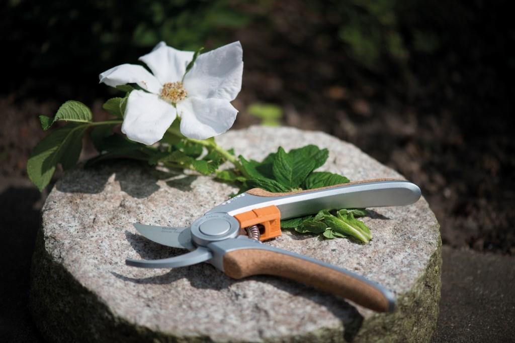 Fiskars - zahradní nářadí QUANTUM s korkovými úchyty
