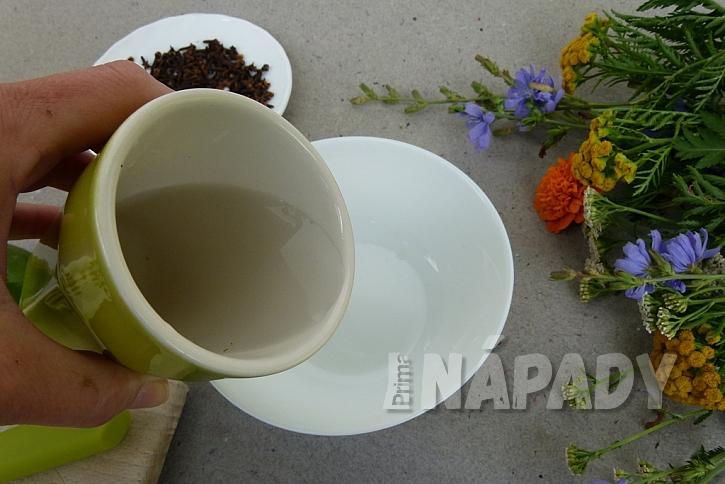Jak udržet komáry dál od našeho stolu: Limetky a voňavý hřebíček 5