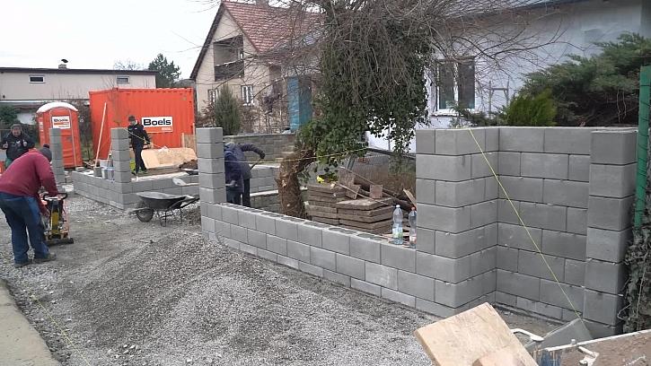 26. díl Online stavebního deníku bude ve znamení podlah, plotů a zahrady