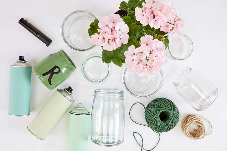 Materiál pro výrobu pelargonií ve sklenicích