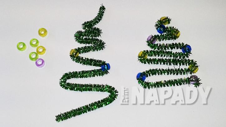 Vánoční ozdoby z chlupatých drátků a korálků: stromeček