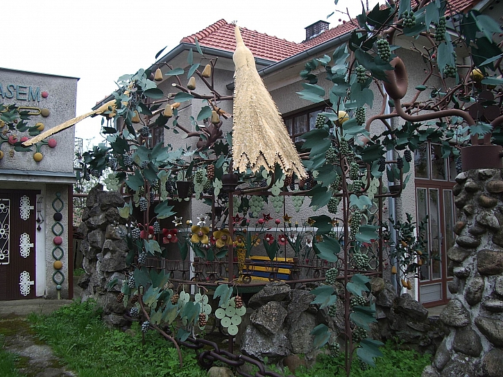 To, co se vidí na některých českých zahradách, je někdy přehlídka bizarnosti (Zdroj: Jan Kopřiva)