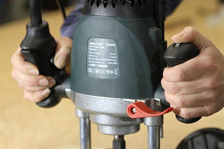 Dobrá ergonomie držadel usnadní ovládání nástroje