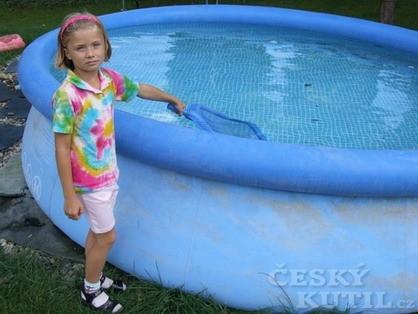 Oprava nafukovacího bazénu aneb vyzkoušeli jsme za vás