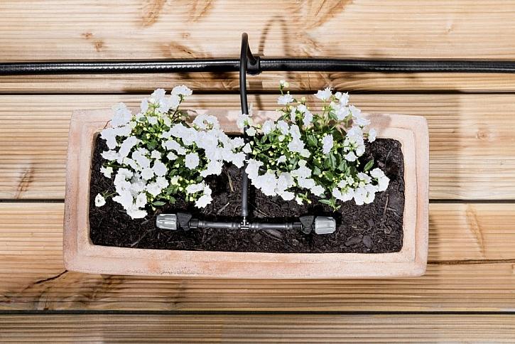 Horka se blíží. Neusušte své květiny na balkóně.