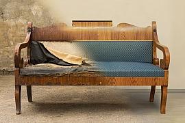 Renovace rohové lavice do kuchyně