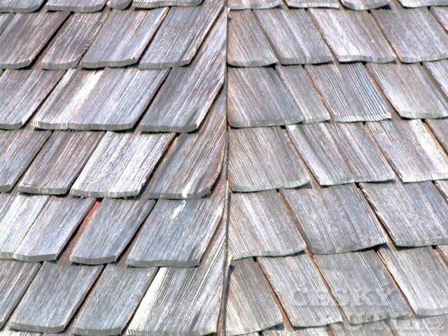 Tradiční šindelová střecha