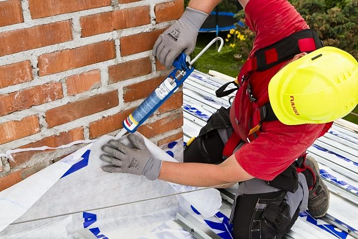 3. Vodotěsnost prostupů střešní krytinou a oplechování střechy