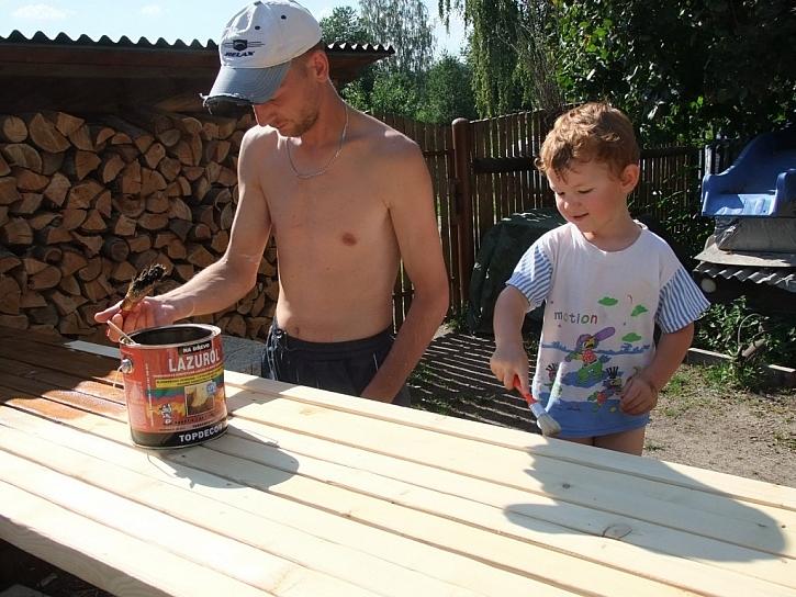 Zapojte děti do práce na zahradě a určete hranice