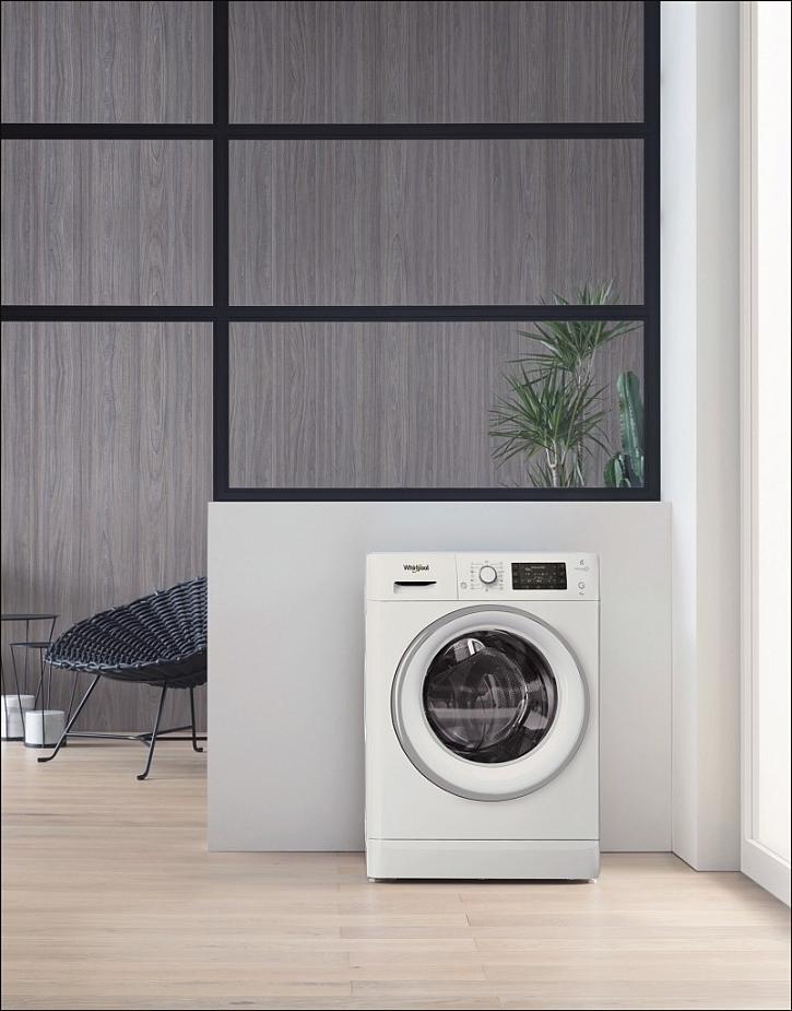 Předem plněná pračka Whirlpool FreshCare+ FWD91496WS EU s kapacitou 9 kg a provzdušňováním již vypraného prádla