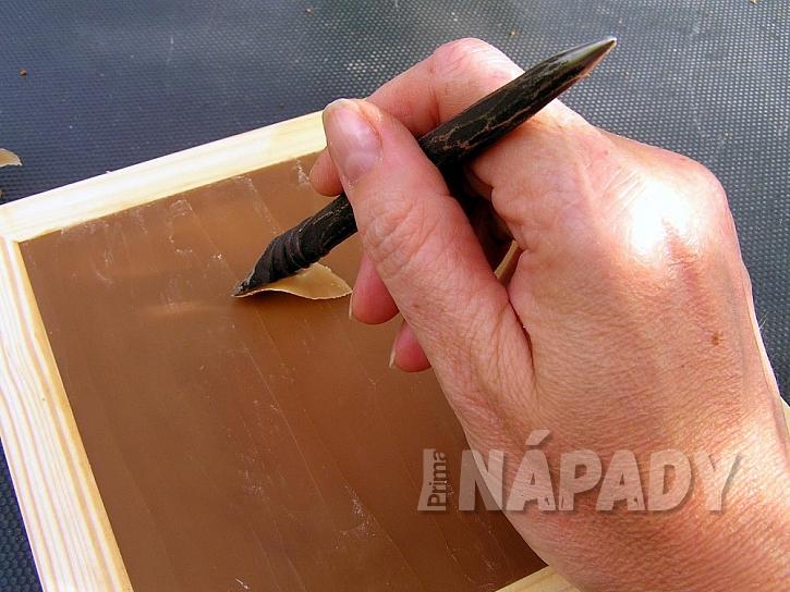 Mazací tabulka z vosku: písmo uhlaďte