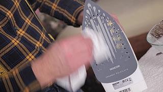 Jak odvápnit žehličku