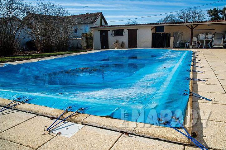 Zakrytí bazénu na zimu