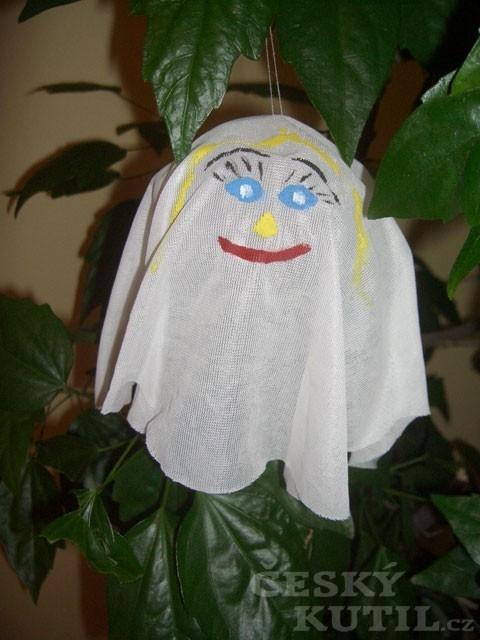 Strašidla a netopýři – výroba halloweenské dekorace