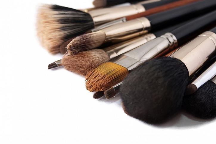 Kosmetické štětce pravidelně vyměňujte za nové a čisté