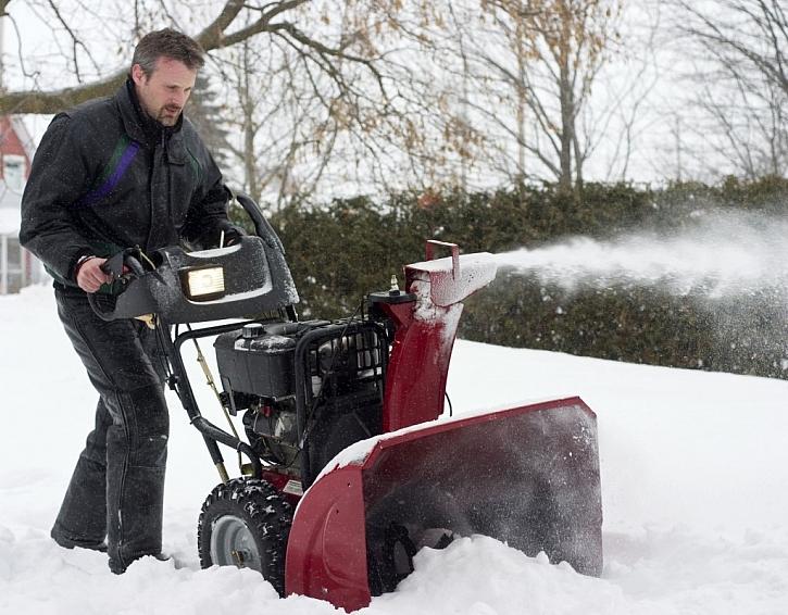 Dvoustupňová fréza na sníh pro oblasti s větším spadem sněhu