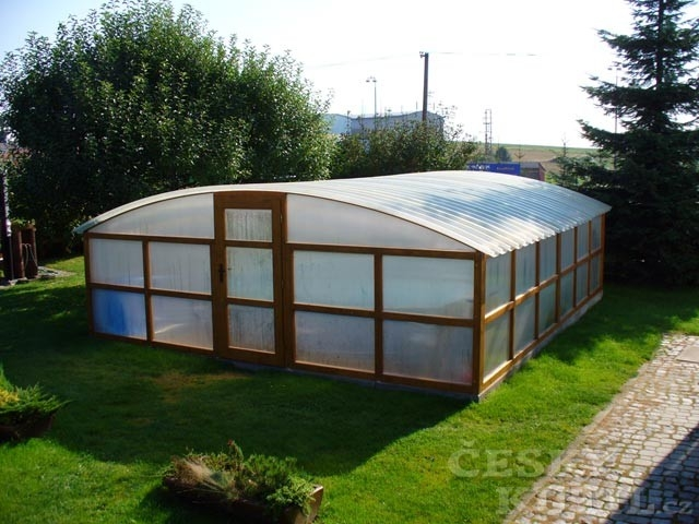 Plasty pro dům i zahradu 1. díl: Záruky firem