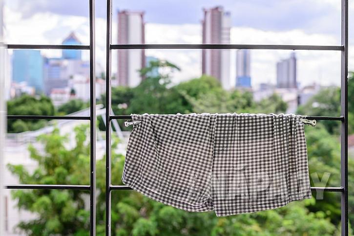 Sušení oblečení na balkoně může mít mnoho podob (Zdroj: depositphotos.com)